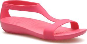 Różowe sandały Crocs w stylu casual