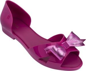 Fioletowe sandały Melissa z płaską podeszwą