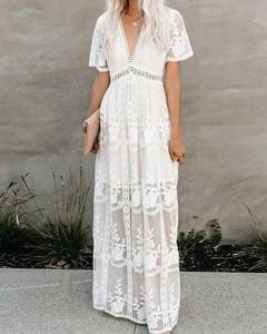 Sukienka Kendallme maxi z dekoltem w kształcie litery v trapezowa