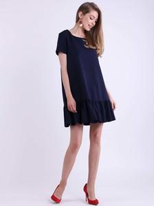 Niebieska sukienka Nommo z krótkim rękawem mini z okrągłym dekoltem