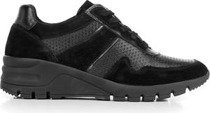 Czarne buty sportowe Wittchen sznurowane z zamszu