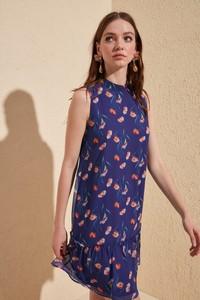 Sukienka Trendyol bez rękawów w stylu casual