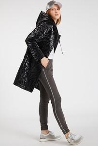 Czarny płaszcz Monnari