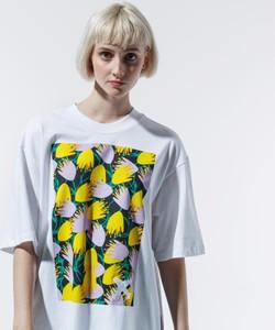 T-shirt Adidas z nadrukiem w młodzieżowym stylu z okrągłym dekoltem