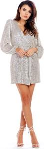 Srebrna sukienka Awama z dekoltem w kształcie litery v