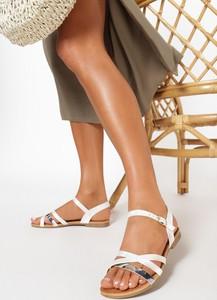 Sandały born2be w stylu casual z płaską podeszwą