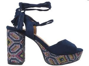 Granatowe sandały Kokietki w stylu boho