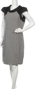 Sukienka Review Australia z okrągłym dekoltem z krótkim rękawem mini