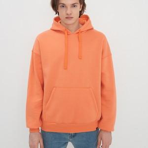 Pomarańczowa bluza House w młodzieżowym stylu