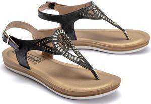 Sandały Inblu z płaską podeszwą w stylu casual z klamrami