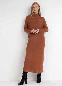 Brązowa sukienka born2be w stylu casual z długim rękawem maxi