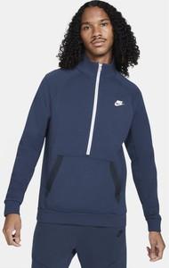 Niebieski t-shirt Nike z długim rękawem