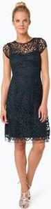 Niebieska sukienka Niente z okrągłym dekoltem z krótkim rękawem