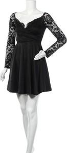 Czarna sukienka Nly One z okrągłym dekoltem mini z długim rękawem
