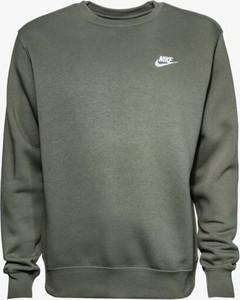 Zielona bluza Nike w sportowym stylu