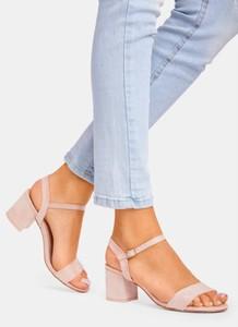 Sandały DeeZee z klamrami