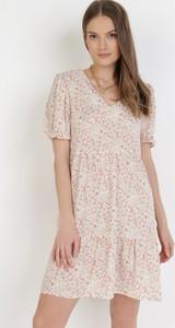 Sukienka born2be z krótkim rękawem mini z dekoltem w kształcie litery v