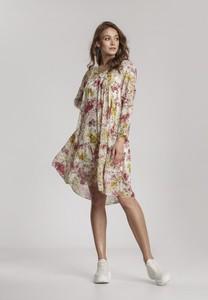 Sukienka Renee w stylu casual z długim rękawem z dekoltem w kształcie litery v
