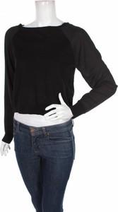 Czarna bluzka Mohito w stylu casual z długim rękawem
