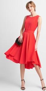 Czerwona sukienka QUIOSQUE bez rękawów midi