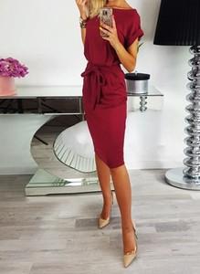 Czerwona sukienka Sandbella z dekoltem w kształcie litery v