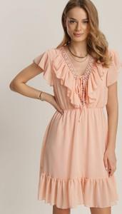 Różowa sukienka Renee mini z krótkim rękawem