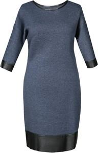 Sukienka Fokus z okrągłym dekoltem w stylu casual oversize