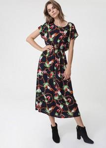 Sukienka born2be bez rękawów z okrągłym dekoltem w stylu boho