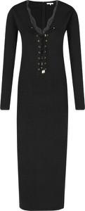 Sukienka Silvian Heach w stylu casual z długim rękawem z dekoltem w kształcie litery v