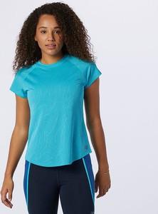 Niebieska bluzka New Balance z dresówki z krótkim rękawem z okrągłym dekoltem