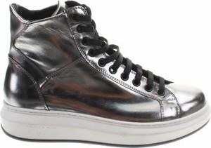 Srebrne buty sportowe Tosca Blu sznurowane