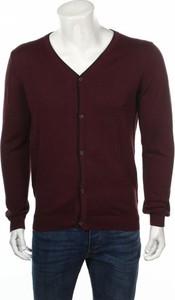Czerwony sweter Nobel League