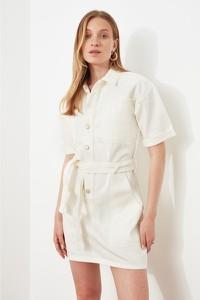 Sukienka Trendyol w stylu casual z krótkim rękawem koszulowa