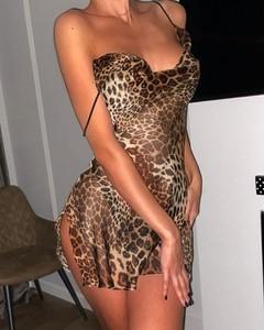 Sukienka Kendallme z dekoltem w kształcie litery v mini na ramiączkach