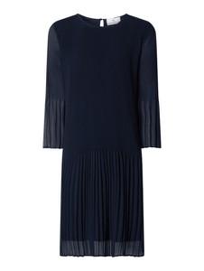 Granatowa sukienka Herzensangelegenheit z długim rękawem z szyfonu midi
