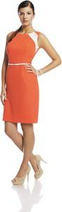 Pomarańczowa sukienka Fokus mini bez rękawów ołówkowa