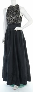 Czarna sukienka Eliza J z dekoltem w kształcie litery v