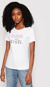 T-shirt Guess w młodzieżowym stylu z okrągłym dekoltem z krótkim rękawem