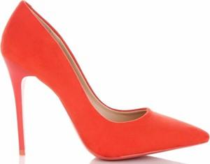 Czerwone szpilki Belluci na szpilce w stylu casual na wysokim obcasie