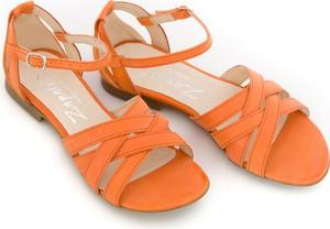 Pomarańczowe sandały Zapato z klamrami