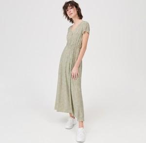 Zielona sukienka Sinsay maxi w stylu casual z krótkim rękawem