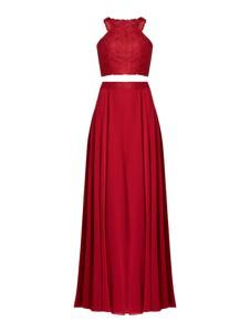 Czerwona sukienka Luxuar z dekoltem w kształcie litery v maxi