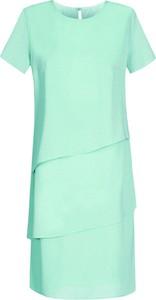Zielona sukienka Fokus dla puszystych z krótkim rękawem z okrągłym dekoltem