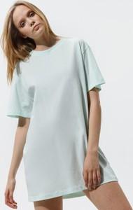 Sukienka Nike z krótkim rękawem mini z okrągłym dekoltem