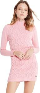 Różowa sukienka Jimmy Sanders z długim rękawem z golfem mini