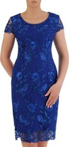 Sukienka POLSKA z krótkim rękawem dopasowana z okrągłym dekoltem