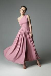 Sukienka Madnezz asymetryczna bez rękawów maxi
