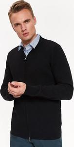 Czarny sweter Top Secret z dzianiny