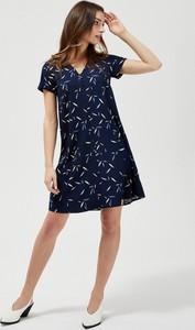 Granatowa sukienka Moodo mini z dekoltem w kształcie litery v z krótkim rękawem