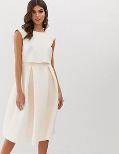 Różowa sukienka Asos Design midi